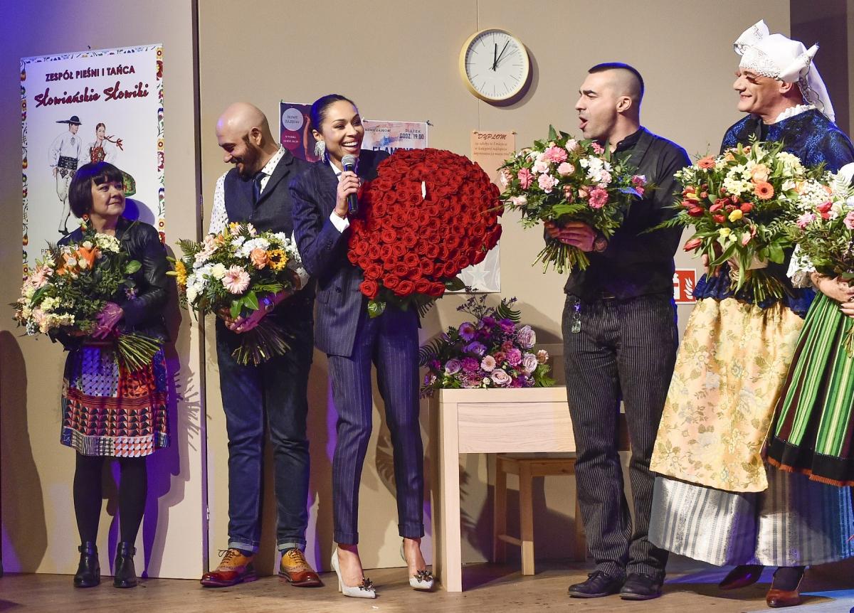 Podziekowania, premiera spektaklu Czarno towidzę fot.Jacek Kurnikowski -AKPA